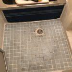 大正区で風呂場の床、あんから貼り工事